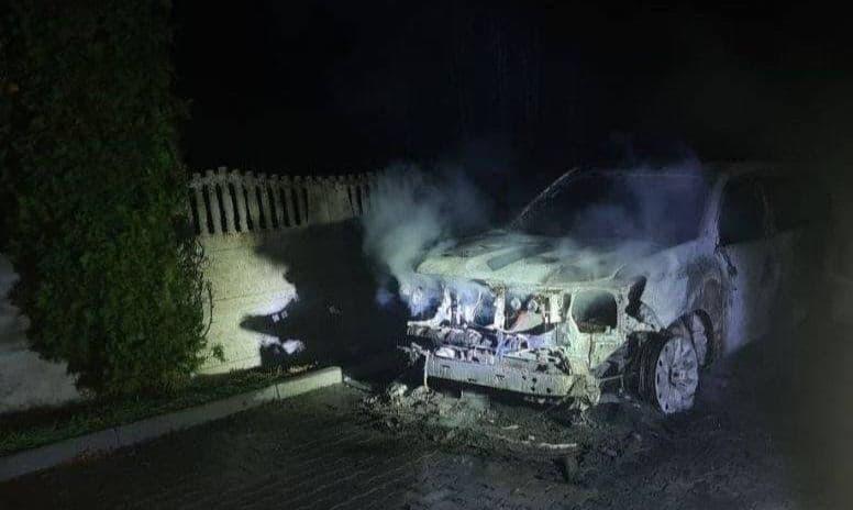 Поліція прокоментувала нічне займання авто голови Підгайцівської громади