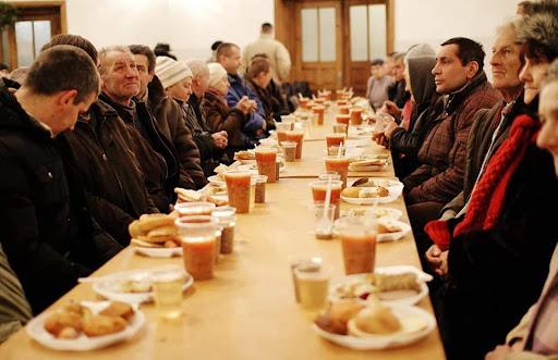 У Луцьку відкривають благодійну їдальню. Потрібні продукти і посуд