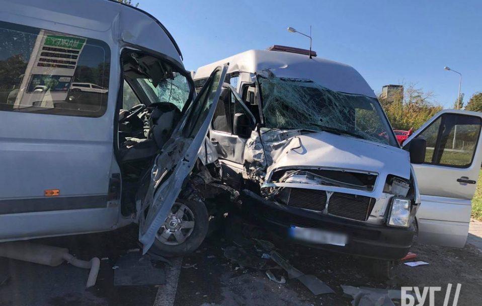 На Волині – аварія за участю маршрутки. Є постраждалі. ФОТО