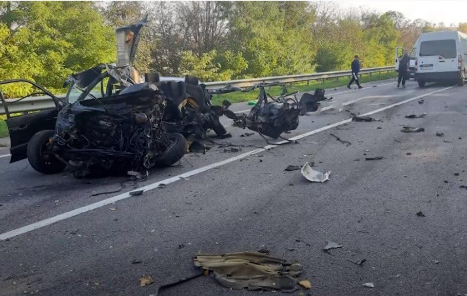 Масштабна автотроща: в аварії загинув волинянин. ВІДЕО