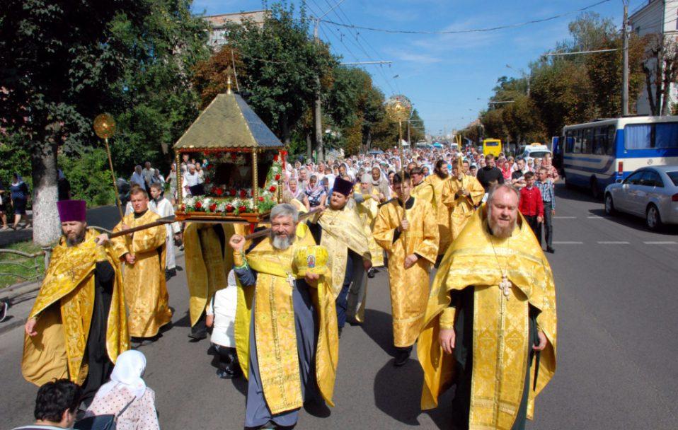 У Луцьку влаштовують хресний хід УПЦ (МП)