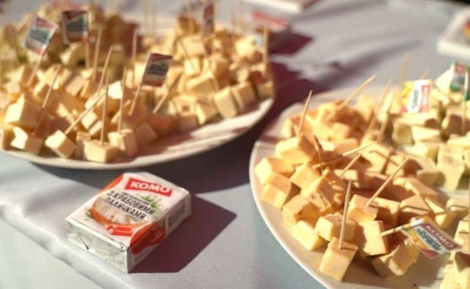 «Зробимо світ навколо смачнішим»: сири «КОМО» – на на фестивалі в Дубно. ВІДЕО *